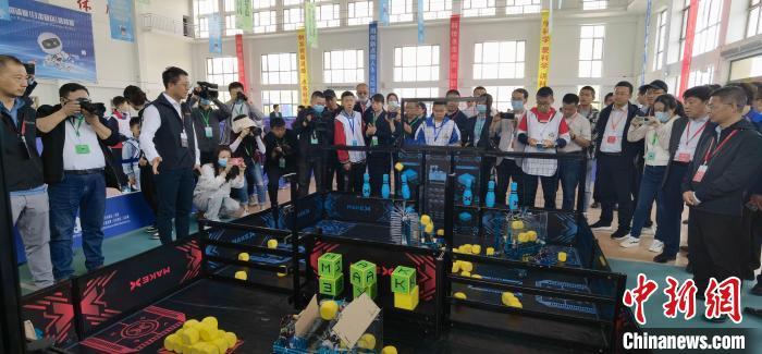 """中国青少年机器人竞赛甘肃竞技:尖端技术比""""智""""器"""